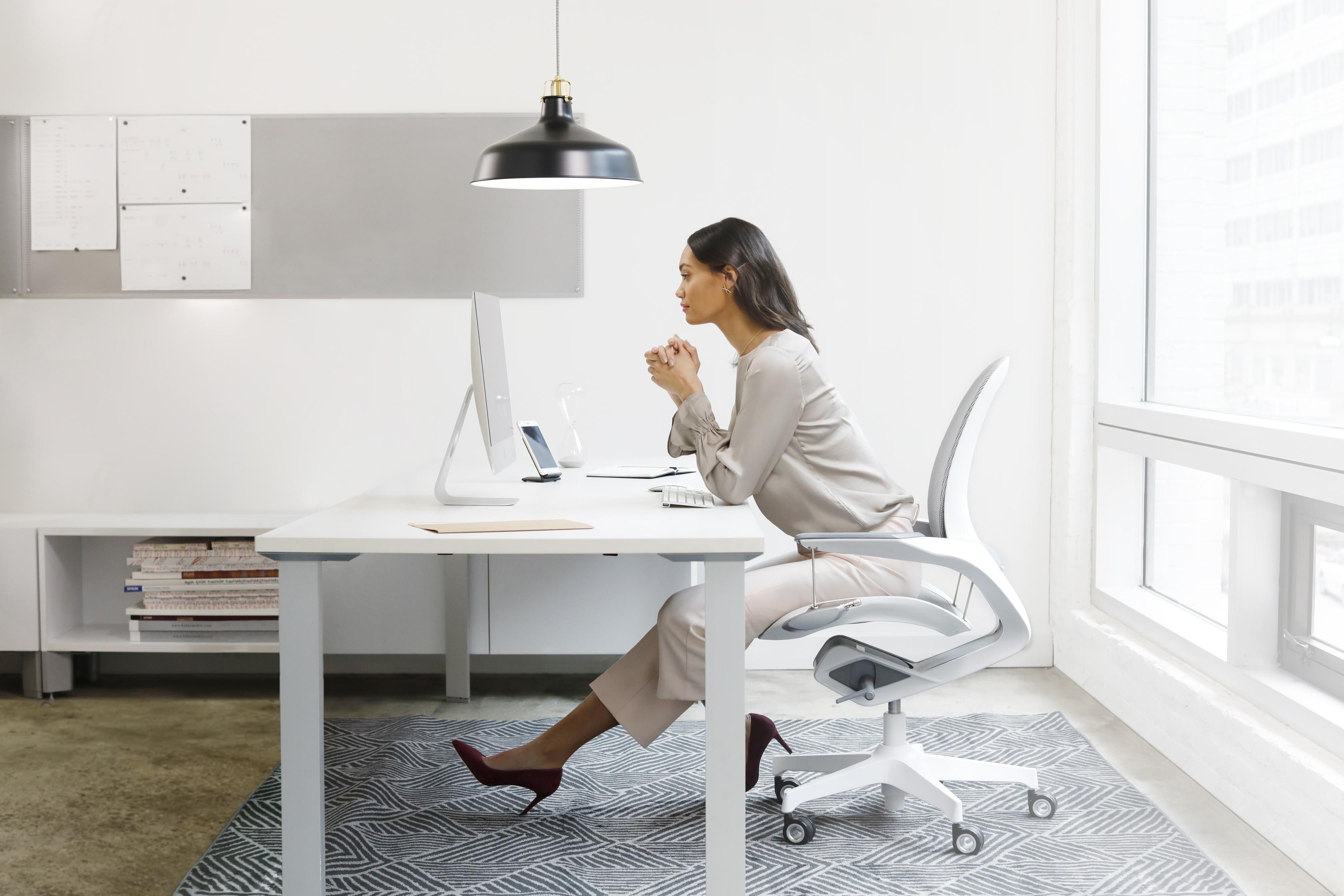 Rule29-Elea-Woman-Sitting